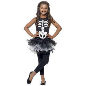 Bilde av en jente ikledd Skjelett Tutu kostyme. Sort kjole med skjelett avtrykk, kjolen har et sort og hvitt tutu-skjørt.