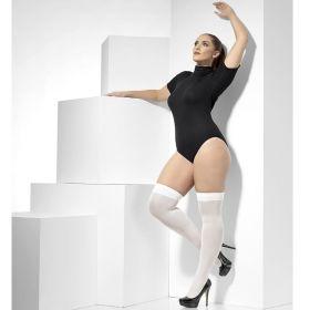 Bilde av en dame i Lange hvite strømper som går over kneet.