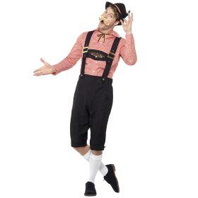 Bilde av en mann i Mr Bavaria Oktoberfestkostyme. Sort bukse med bukseseler som har gullfargede detaljer. Rød og hvitrutete skjorte.