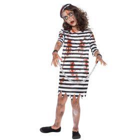 Bilde av en jente kledd i Zombie Fangedrakt kostyme. Stripete kjole med blodflekker og hatt. Håndjern med kjetting.