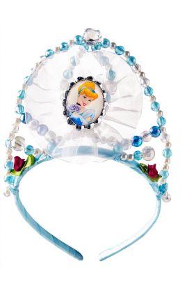 blå tiara med hvit stoff og bilde av den nydelige og snille Askepott midt på tiaraen med sølv-pærler som ramme rundt bildet. Tiaraen har perler i fargene lys blå, hvit og mørk blå rundt om hele tiaraen. Det er også to stk. mørke rosa roser på hver sin sid