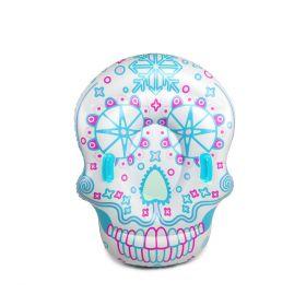 opplåsbar akepute med formen som en hodeskalle i fargen hvit med lyseblå, rosa, lilla og lys beige detaljer med to blå håndtak til å holde seg på