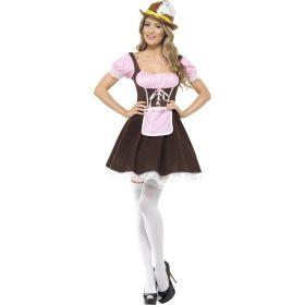 Bilde av en dame ikledd Tyrolerkjole Barpike. Brun kjole med hvit blondekant, påsydd rosa og hvit rutete forkle og en innsydd hvit og rosa rutete bluse.