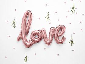 """rosegull farget, metallisk folieballong med løkkeskrift og ordet """"love"""""""
