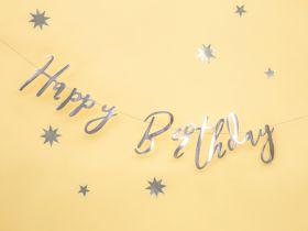 sølv løkkeskrift happy birthday girlander i skinnende papp