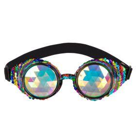 briller med to store glass i flerfarget prismeglass dekorert med paljetter i grønn, blå, lilla, rosa, rad, oransje og gul rundt over hele brillerammen