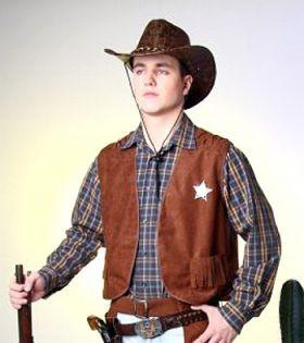 Bilde av en mann ikledd Cowboyvest Brun. Brun vest med frynser og sheriff-stjerne.