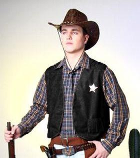 Bilde av en mann ikledd Cowboyvest Sort. Sort vest med frynser og sheriff-stjerne.