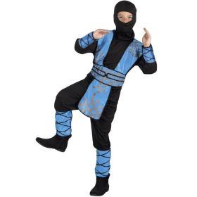 Bilde av en gutt ikledd Royal Ninja kostyme. Et sort ninja kostyme til barn, men blå arm beskyttere, brynje og leggbeskyttere.
